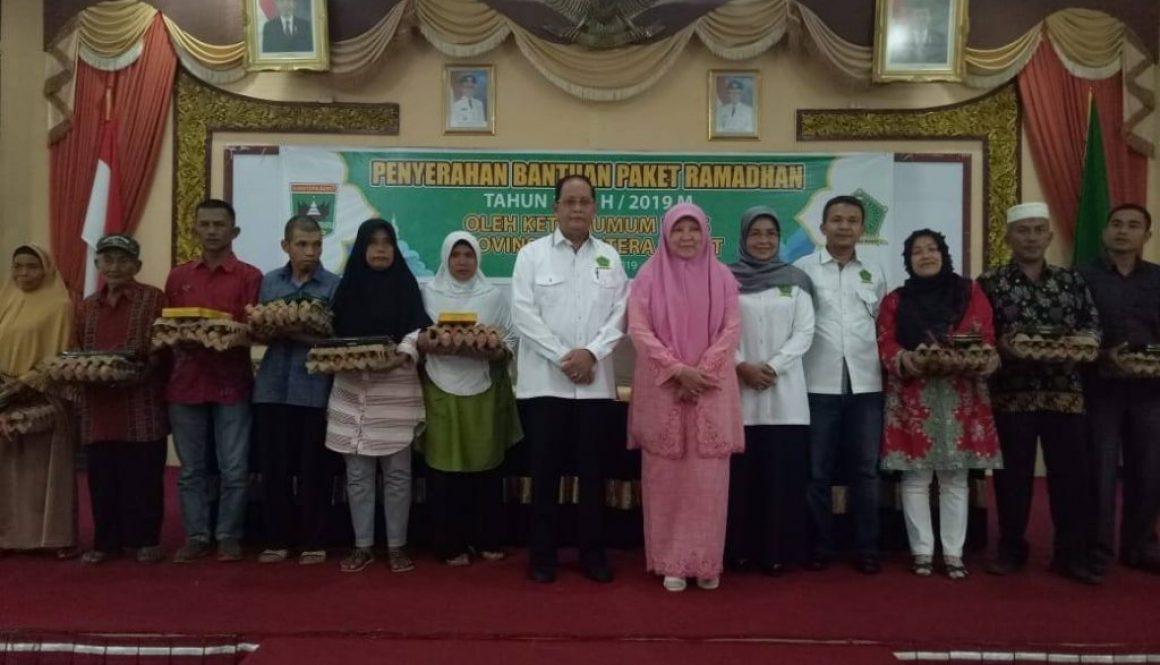 LKKS Provinsi Sumbar Bagikan Paket Ramadhan