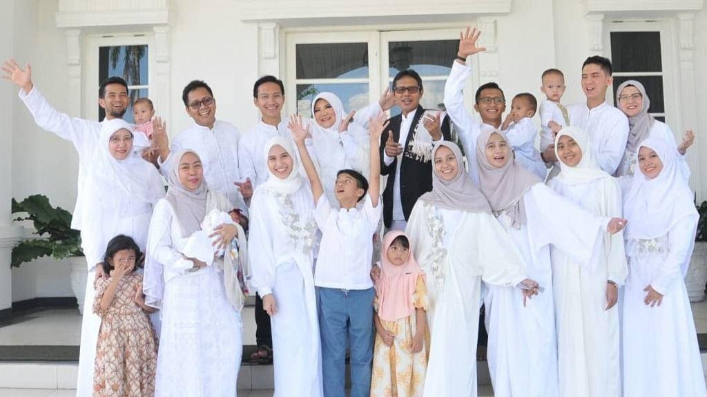 Keluarga Besar Gubernur Sumatera Barat - H. Irwan Prayitno