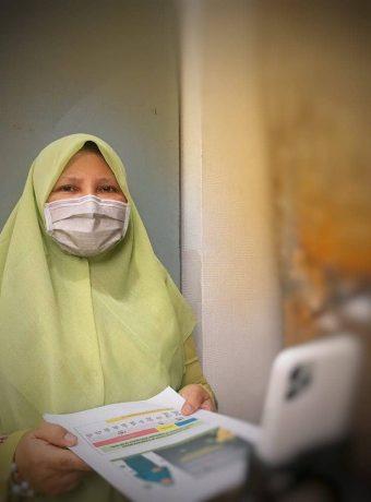 Menjadi Narasumber Seminar Implementasi Perda AKB di Sumbar, Anggota DPR Menyampaikan Gebrak Masker