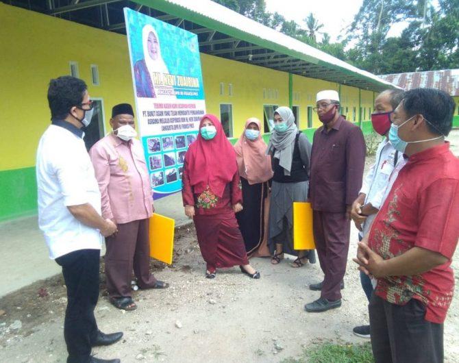 Nevi Zuairina Serahkan Bantuan untuk Kemajuan Pesantren di Padang Pariaman dan Pasaman