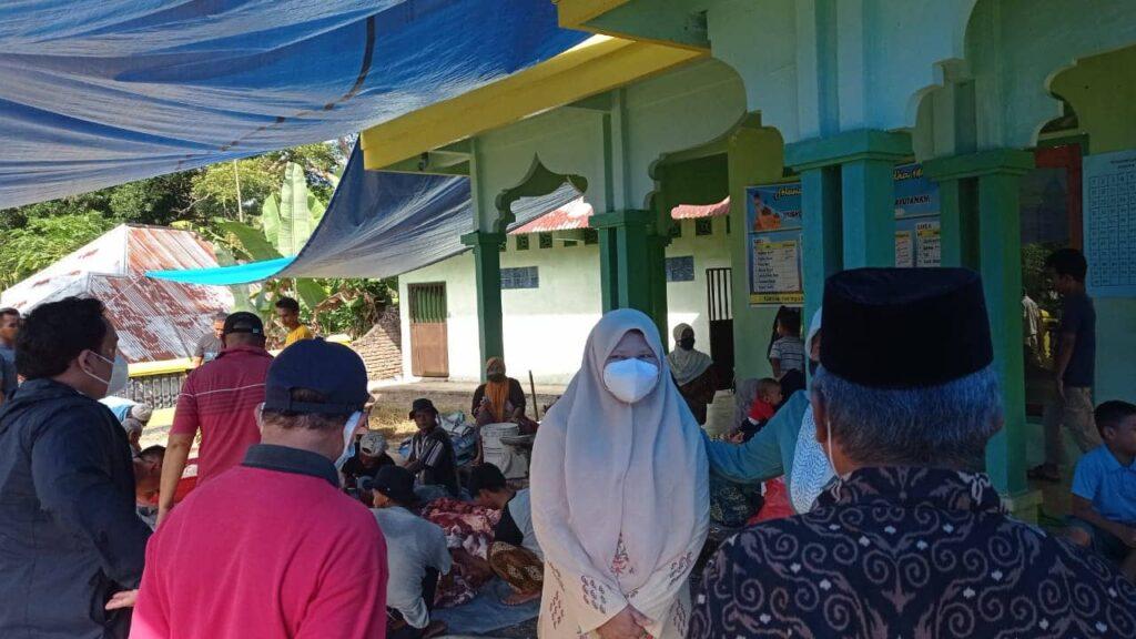 Rutinitas Hj. Nevi Zuairina Berkurban di Delapan Kabupaten Kota di Sumatera Barat